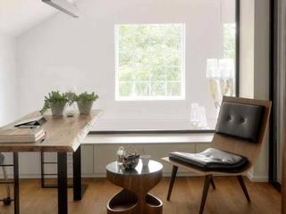 Estudios y oficinas de estilo  por HANDE KOKSAL INTERIORS