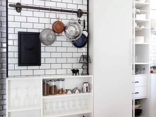 Kitchen by HANDE KOKSAL INTERIORS