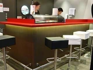 Sushi bar à Aix-les-Bains:  de style  par PILC AGENCEMENT SARL LAMIRI CREATIO