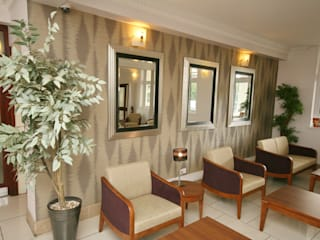 Thurrock Hotel, Aveley, Essex: classic  by Aura Designworks Ltd, Classic