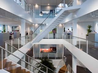 modern  by OeverZaaijer architectuur en stedebouw, Modern
