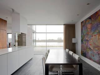 Comedores de estilo moderno de MIR architecten Moderno