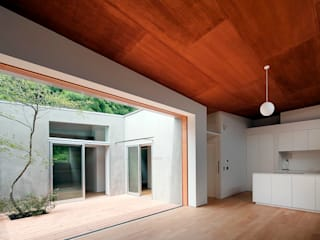 蒲郡の住宅 オリジナルデザインの テラス の 諸江一紀建築設計事務所 オリジナル