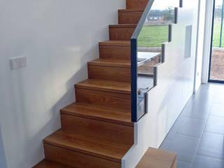 Escaleras de estilo  de homify