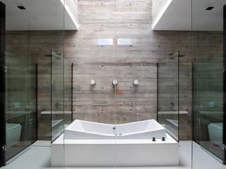 Casa | LM | Banheiros modernos por Marcos Bertoldi Moderno