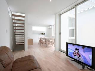 インナーテラスのある明るい住宅 オリジナルデザインの リビング の ラブデザインホームズ/LOVE DESIGN HOMES オリジナル