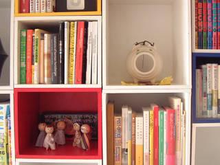 BOXES OF BLOCKS 6th studio / 一級建築士事務所 スタジオロク Living roomShelves