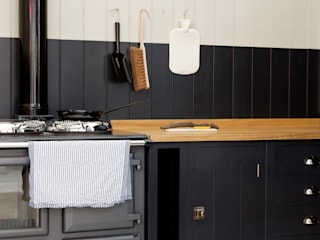 The Original British Standard Kitchen British Standard by Plain English Cucina rurale Legno Nero