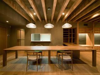 ヤマモミジの家: 一級建築士事務所 Kenso Architectsが手掛けたクラシックです。,クラシック