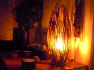 Lampe en carton:  de style tropical par Jessica Mons, Tropical