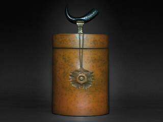 Boîte / céramique, bronze et corne:  de style  par Courty Alexandra