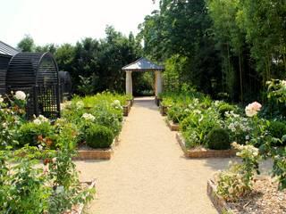 Le jardin de l'office de tourisme de Langeais Jardin original par AGENCE TALPA Éclectique