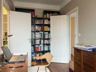 Réaménagement d'un appartement parisien Cuisine moderne par Emmanuel CROS architecture Moderne