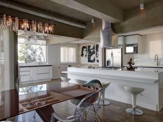 Apartamento Campo Belo - 374m2:   por Viviane Dinamarco Design de Interiores
