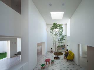 obi house Salon moderne par ソルト建築設計事務所 Moderne