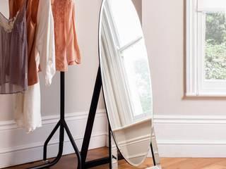 Dressing room by Ámbar Muebles
