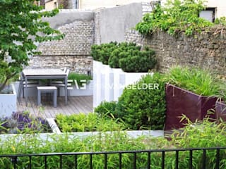 Roof terrace Dordrecht Modern style gardens by ERIK VAN GELDER | Devoted to Garden Design Modern
