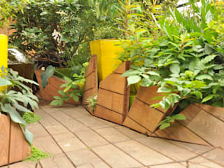 Trappe plantées : Terrasse de style  par ATELIER DLV