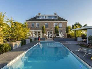 Wellness garden with pool Barendrecht Moderne tuinen van ERIK VAN GELDER | Devoted to Garden Design Modern