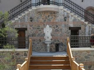 Classic style garden by Öztek Mimarlık Restorasyon İnşaat Mühendislik Classic