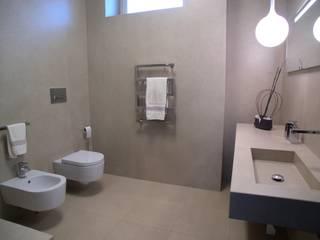 Modern bathroom by Alfonso D'errico Architetto Modern