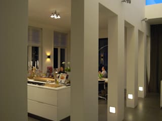 Huis Sonnevanck Arnhem Moderne gangen, hallen & trappenhuizen van TenBrasWestinga ARCHITECTUUR / INTERIEUR en STEDENBOUW Modern