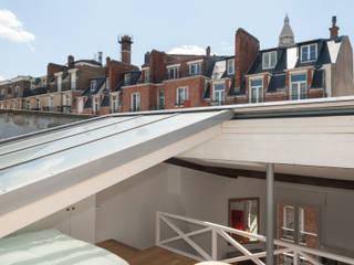 Appartement cabriolet Balcon, Veranda & Terrasse modernes par Emmanuel CROS architecture Moderne