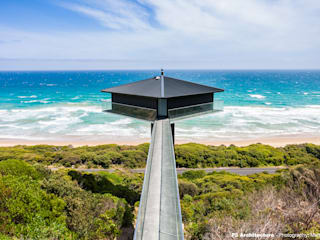 The Pole House Mediterranean style houses by F2 Architecture Mediterranean