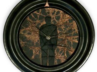 L'horloger:  de style  par GALERIE KO21