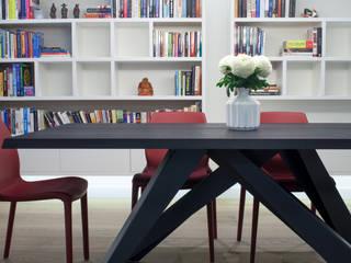 canalside flat : camden:  Dining room by Cassidy Hughes Interior Design