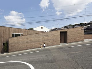 Maisons modernes par 一級建築士事務所ROOTE Moderne