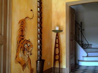 Style africain Murs & Sols tropicaux par Zuritagordian Tropical