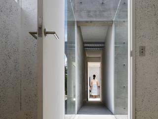 ゲストルームは畳でくつろぎを: TNdesign一級建築士事務所が手掛けた家です。