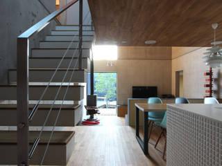 บ้านและที่อยู่อาศัย โดย ミズタニテツヒロ建築設計,