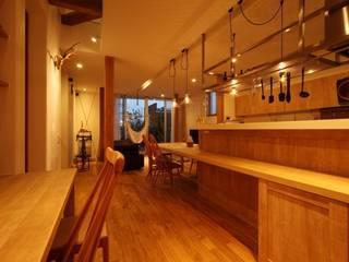 ぶら下がりがいっぱいある家: YY_WORKSが手掛けた家です。