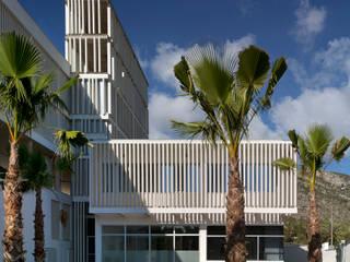 Casa Cuartel de la Guardia Civil en Oropesa del Mar: Casas de estilo  de Espegel-Fisac architects
