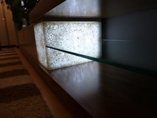 Mueble de salón iluminable:  de estilo  de Arista Mobiliario