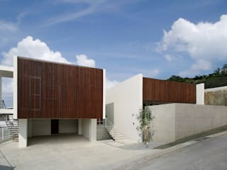Modern houses by InOUT architects/インアウトアーキテクツ Modern
