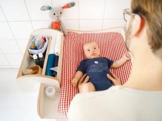 Blick in die Aufsteckbox - und natürlich auf das Baby.:   von WICKWAM