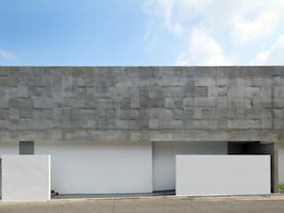 Casas de estilo moderno de 半谷彰英建築設計事務所/Akihide Hanya Architect & Associates Moderno