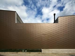 od 半谷彰英建築設計事務所/Akihide Hanya Architect & Associates Nowoczesny