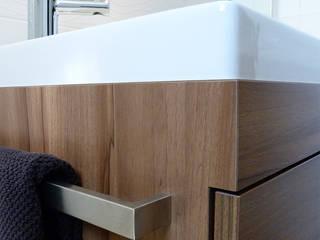 Réaménagement d'une chambre et d'une salle de bain pour des particuliers Salle de bain classique par Florian PRESLE Classique
