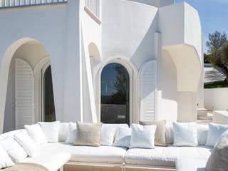 SABAUDIA SUL MARE Stefano Dorata Balcone, Veranda & Terrazza in stile mediterraneo