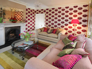Living room by Deborah Warne Interiors Ltd,