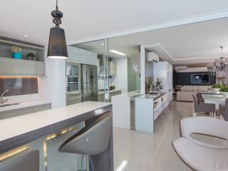 Moderne Küchen von Actual Design Modern