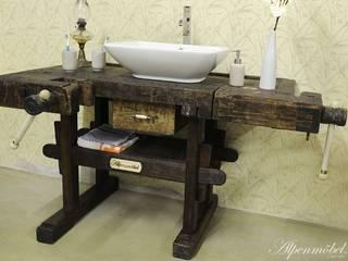 Alpenmöbel Hobelbank-Möbel für das Badezimmer:  Badezimmer von Ywona e.U.