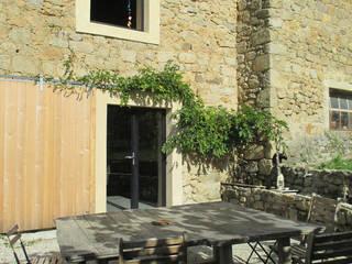 réhabilitation d'une maison en pierre par Christelle Morard Chataigner