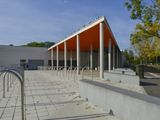 Restructuration de la piscine de plein air du Wacken: Piscines  de style  par meyzaud & architectes