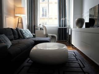Salon et partie bureau:  de style  par Atelier L.A. Design