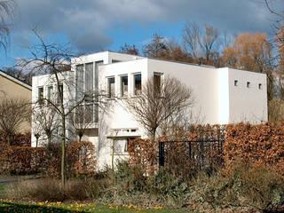 woonhuis in Voorburg:  Huizen door PHOENIX, architectuur en stedebouw